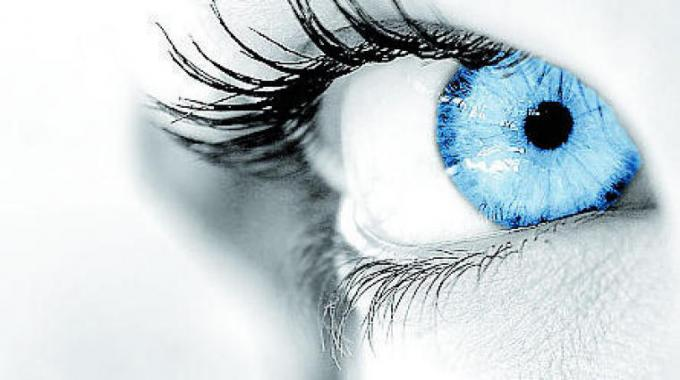 protesi retinica