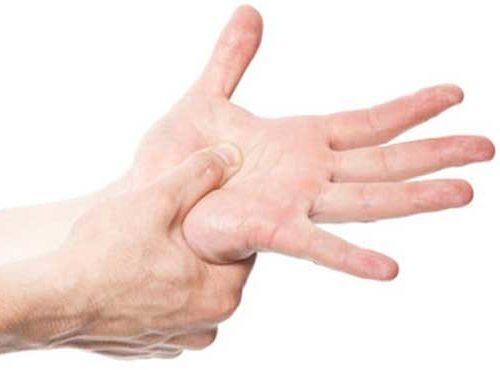 Formicolio mani e piedi di notte